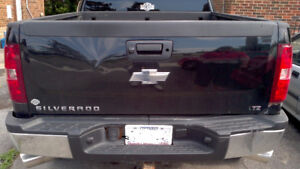 2007-14 Chevy Silverado Hitch , Dented tailgate & Chrome bumper