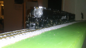 HO scale 4-6-6-4 Challenger locomotive