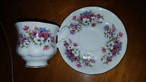 Beautiful vintage Queen Anne bone china cup and saucer. Made in West Island Greater Montréal image 2
