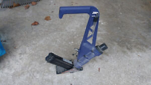 "2-in-1 Pneumatic Flooring Nailer  1.5""- 2"""