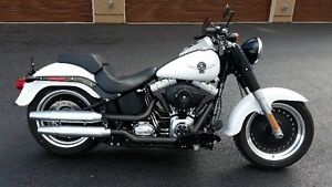 HARLEY FAT BOY LO. LTD ED. FROZEN WHITE DIAMOND PAINT. KELOWNA