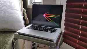 13 Inch Macbook (late 2008) for sale