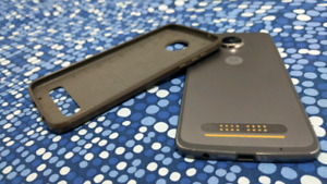 Mint Condition Moto Z2 Play + Mint Condition Screen Projector
