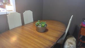 MUST GO Large Dining Table with Leaf and 6 Chairs