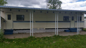 39ft Kountry Resort ($4500) Hard Top Awning Included