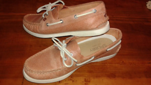 Size 8 red Sperry shoes