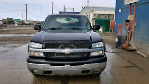 SALE PENDING 2003 Chevy Avalanche 4x4 Low KMs