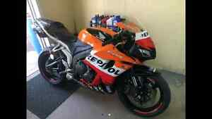 MAKE AN OFFER!!!   CLEAN and PRISTINE Cbr-600rr