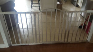 Extended baby gate