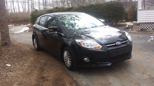 2012 focus sel    leather.. 5900