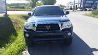 2007 Toyota Tacoma off road Pickup Truck(Low Low km)