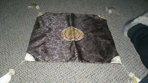 VINTAGE GORGEOUS GENUINE SILK HAND EMBROIDERED PIL50.OW CASE Kitchener / Waterloo Kitchener Area image 1