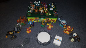 Skylanders & Case ALL FOR $40