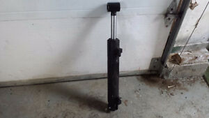 Hydraulic cylinder to trade for smaller one