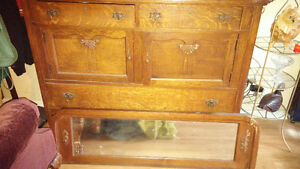 Buffet with mirror75 years old. ex condition