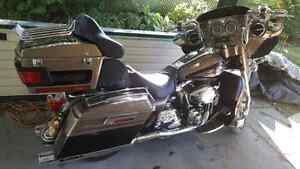 2004 Harley Davidson Custom Ultra mint with 9000 original miles