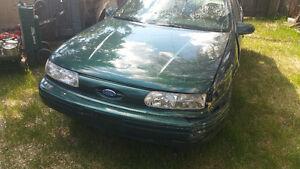 1995 Ford Taurus SE Sedan