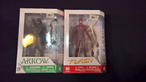 DC Collectibles Arrow and Flash figures