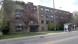 AMAZING 1 BDRM APT IN GREAT BUILDING (East York)