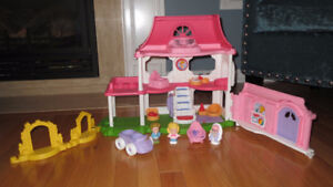 Fisher-Price Little People Happy Sounds Home English Edition Toy