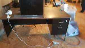 Large desk. 5' x 6' if used as L