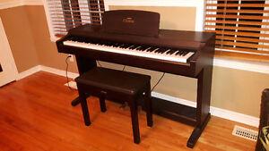 Piano Yamaha Clavinova CLP-810S West Island Greater Montréal image 2