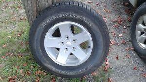 pneu neuf sur mag jeep jk 17 po