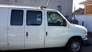 2010 Ford E-150 Minivan, Van