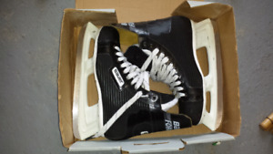 BAUER HOCKEY SKATE