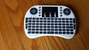 Re-Chargeable Mini wireless keyboard with mouse-pad
