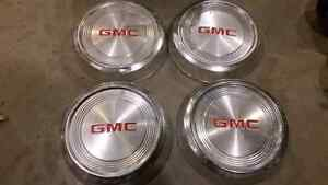 Gmc s15 center caps