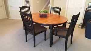Dining Table and Chairs Cambridge Kitchener Area image 1
