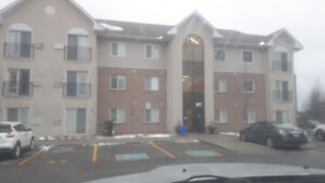2 bedroom condo for rent in Bowmanville