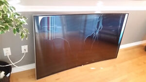 65 inch curved cracked LG tv