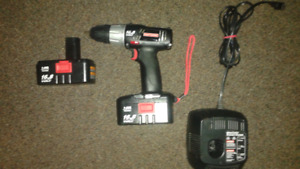Craftsman Drill with level - 2 x 16.8 Batteries +battery charger