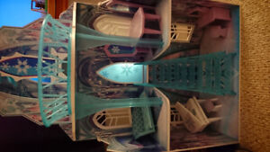 Frozen dollhouse castle with furniture for barbies!