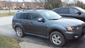2011 Mitsubishi Outlander.LOW KMS STILL UNDER WARRANTY..REDUCED