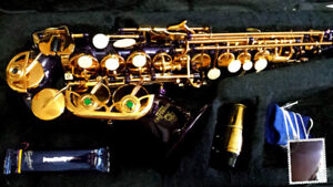 Almost mint condition Sterling Curved Soprano Saxophone