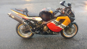 01 Honda cbr600f4i parting out