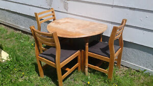 Maple Winged Kitchen Table With 3 Maple Chairs