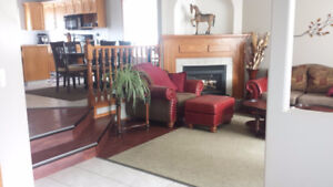 5 bedroom house attached garage Anders * can be furnished