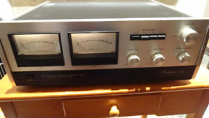 Accuphase T-101 FM tuner C-200 Preamp P-250 power amp