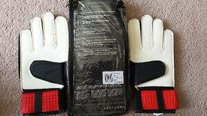 Soccer Goal Keepers Gloves (Umbro size 8) West Island Greater Montréal image 2