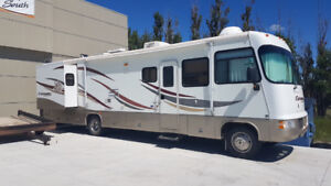 2006 Triple E Embassy 36' with Winter/ Desert Pack!
