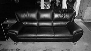 Like new leather couch