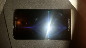 BLACKBERRY Z30 16GB UNLOCKED GOOD CONDITION WITH CHARGER 514 679