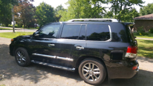 2015 Lexus LX570 executive package, 4x4.