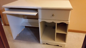White computer desk - Adult size