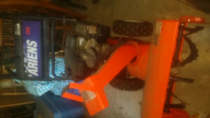 ARIENS 724 SNOWBLOWER...USED TWICE