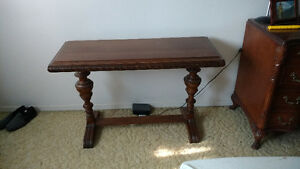 Table antique de divan
